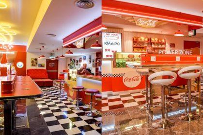 Kafe Berkonsepkan Coca-Cola Pertama Di Dunia, Kini Di Johor Bahru