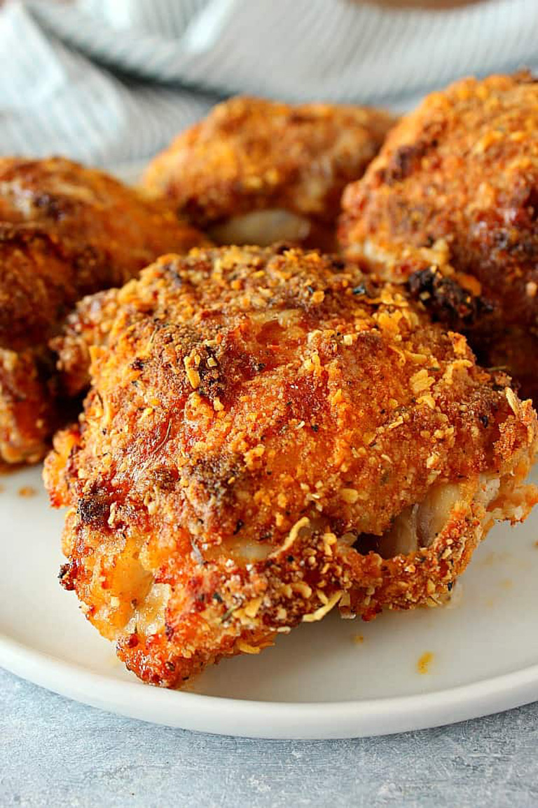 air-fryer-fried-chicken-on-white-plate